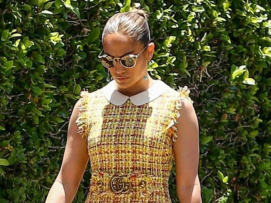 Jennifer Lopez con vestido de Tweed