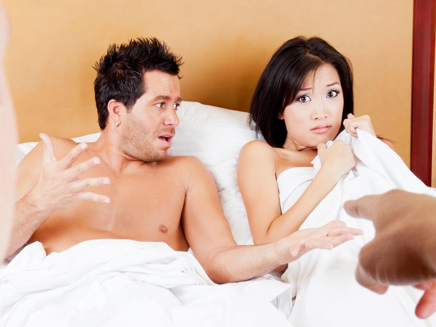 Mujer siendo infiel