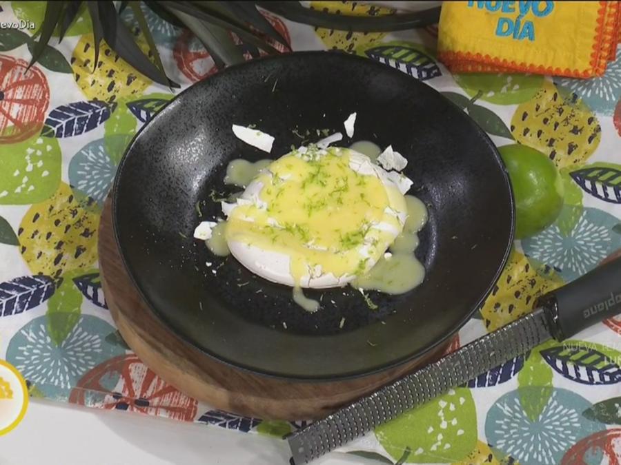 Merengues con salsa de limón
