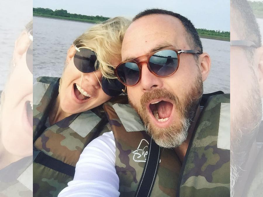 Fernanda Castillo y Erik Hayser en el río Amazonas