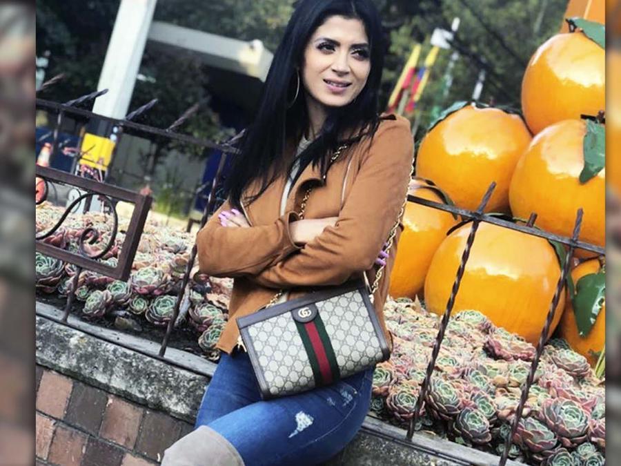 """Kimberly Flores presume su bolso y la tachan de """"naca"""""""