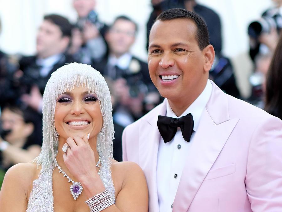 Alex Rodriguez y Jennifer Lopez en la gala MET
