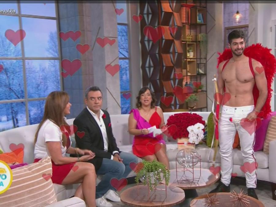 Adamari López recibe sorpresa de San Valentín