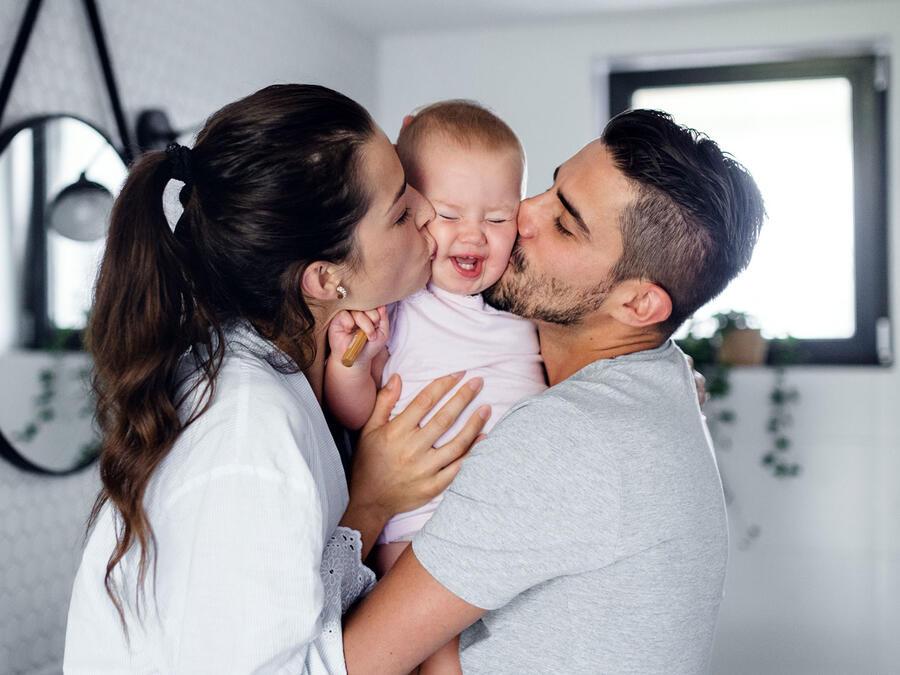 Pareja con bebé