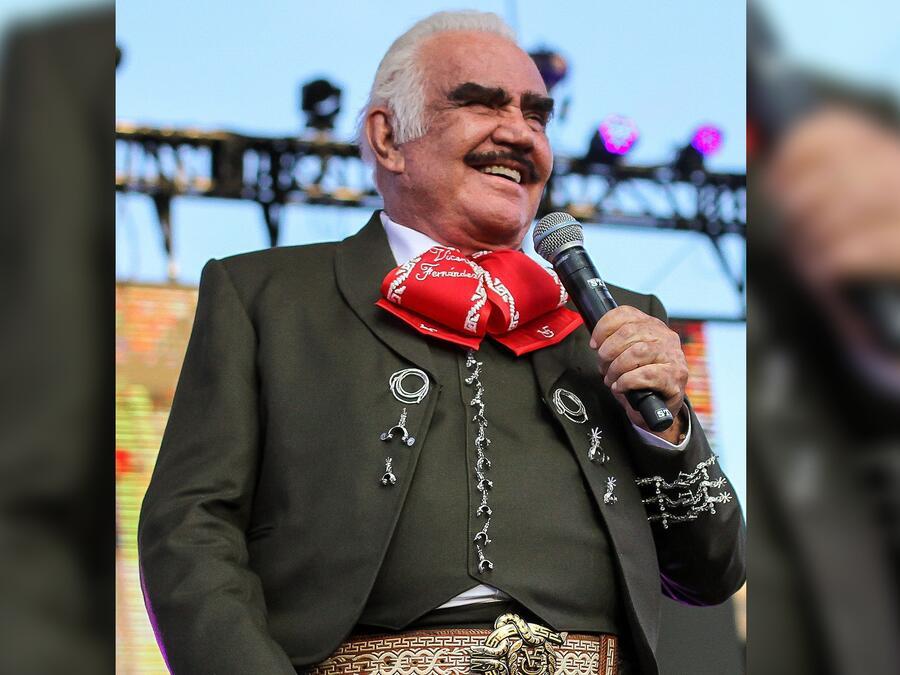 Vicente Fernández cantando en Guadalajara, México, 2019