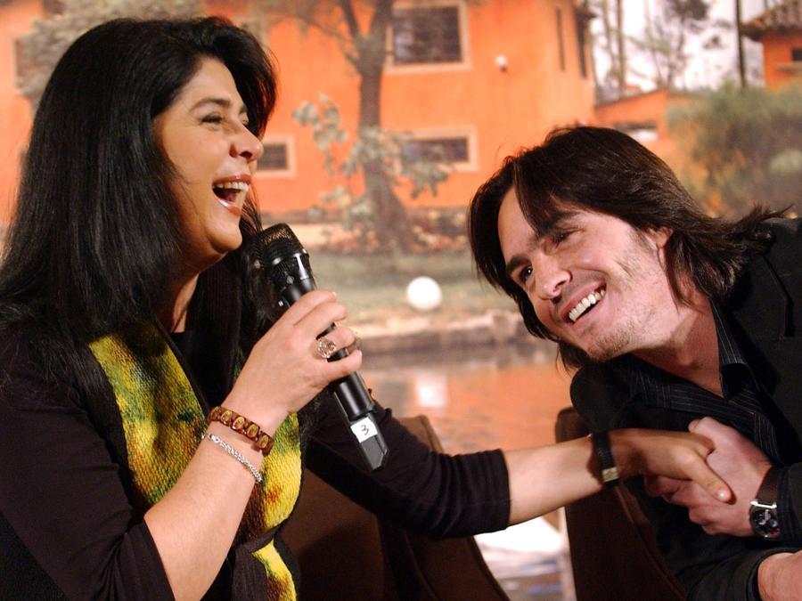 Victoria Ruffo y Mauricio Ochmann en la rueda de prensa de la telenovela 'Victoria' de Telemundo 2007