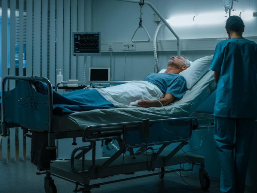 Hombre hospitalizado