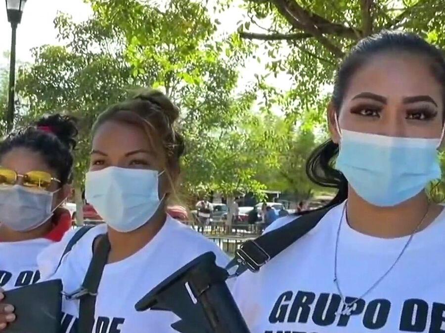 Mujeres en México se arman contra el crimen organizado