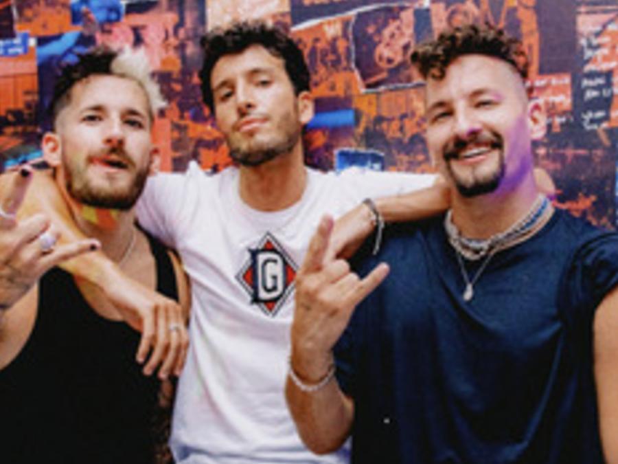 Mau y Ricky, y Sebastián Yatra