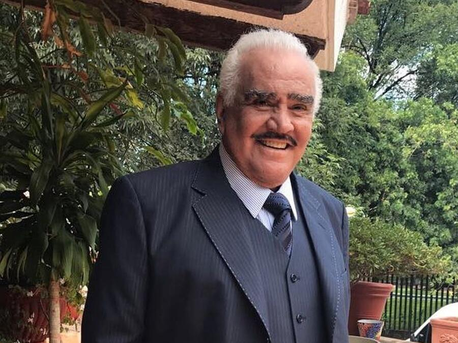 Vicente Fernández.jpg
