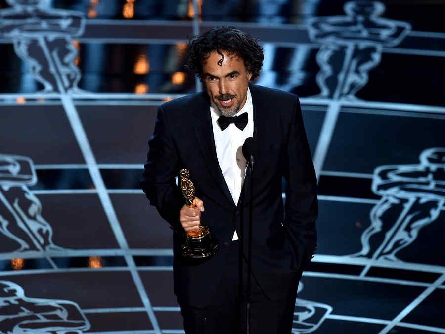 Alejandro González Iñárritu ganó el premio mejor director de los premios Oscar 2015.