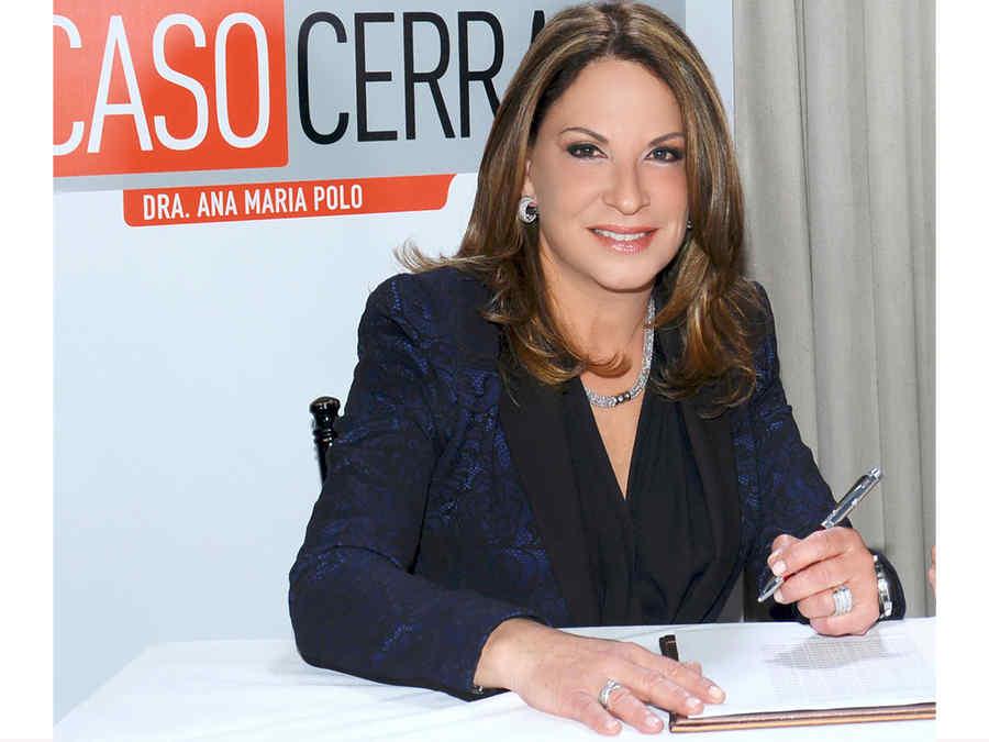 Dra. Polo firma contrato con Telemundo
