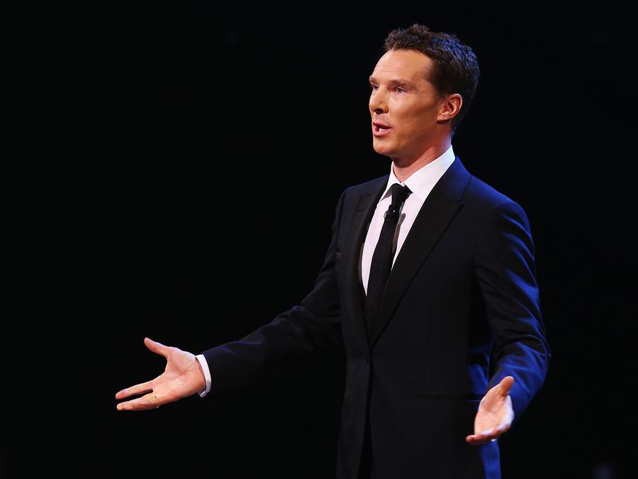 Benedict Cumberbatch le ruega a sus fans que dejen de grabarle