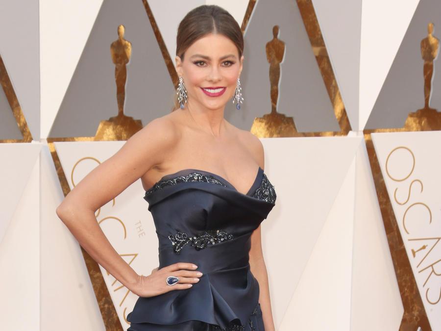 Sofía Vergara en la alfombra roja de los Premios Oscar 2016