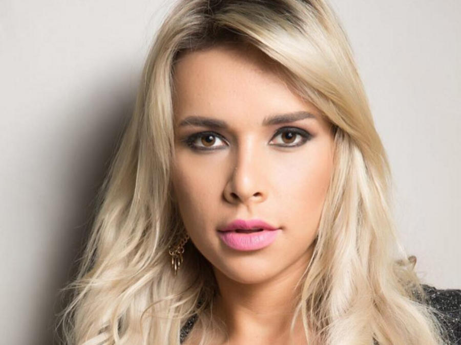 Modelo de fitness brasileña Rafaela Ravena