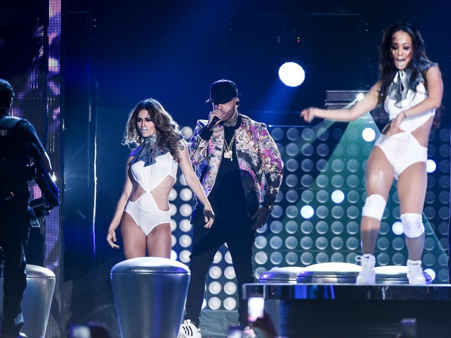 Nicky Jam en la presentación de Premios Billboard 2016