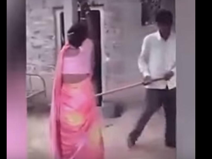 Un hombre castiga brutalmente a su esposa por infiel (VIDEO)