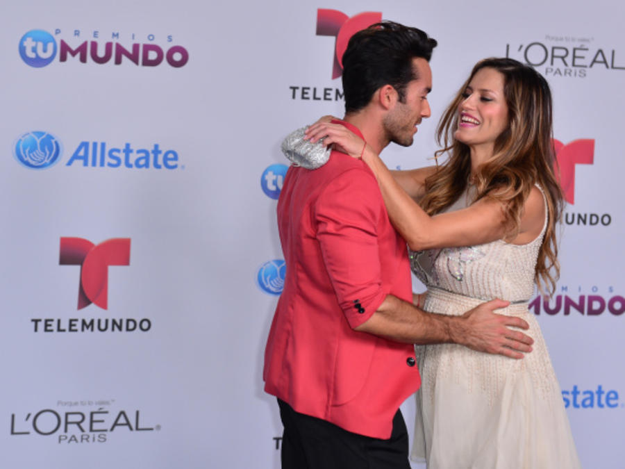 Aaron Diaz and Lola Ponce at Telemundo's Premios Tu Mundo Awards 2014
