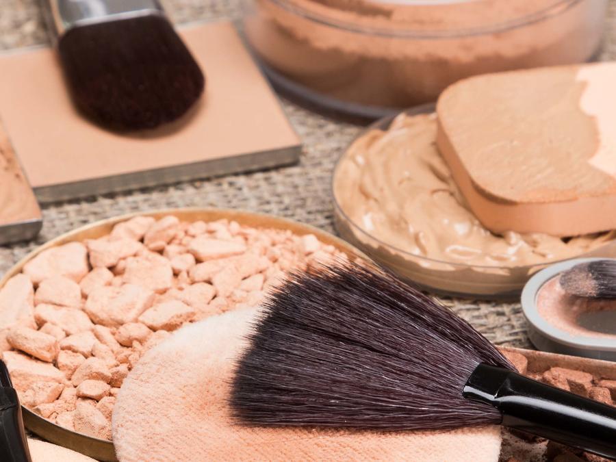 Maquillajes y brochas