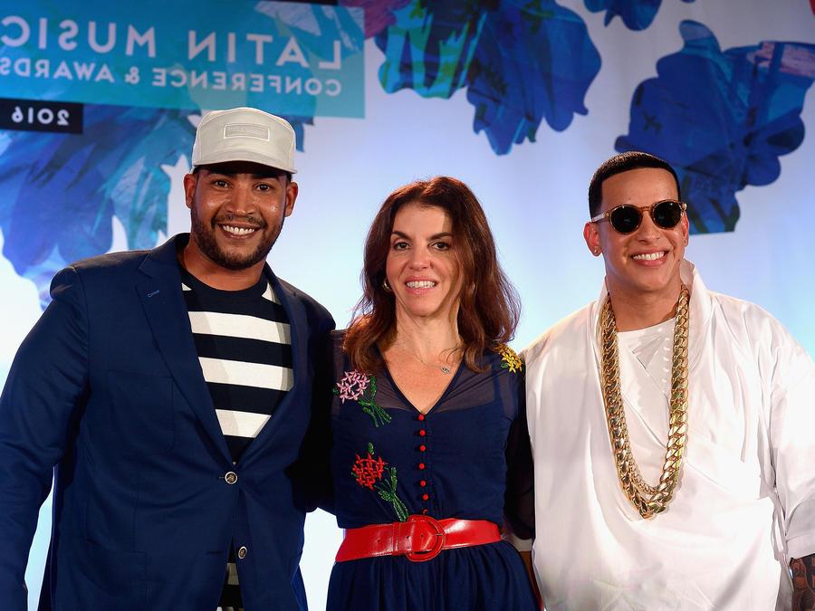Daddy Yankee y Don Omar con Leila Cobo en la conferencia Billboard 2016