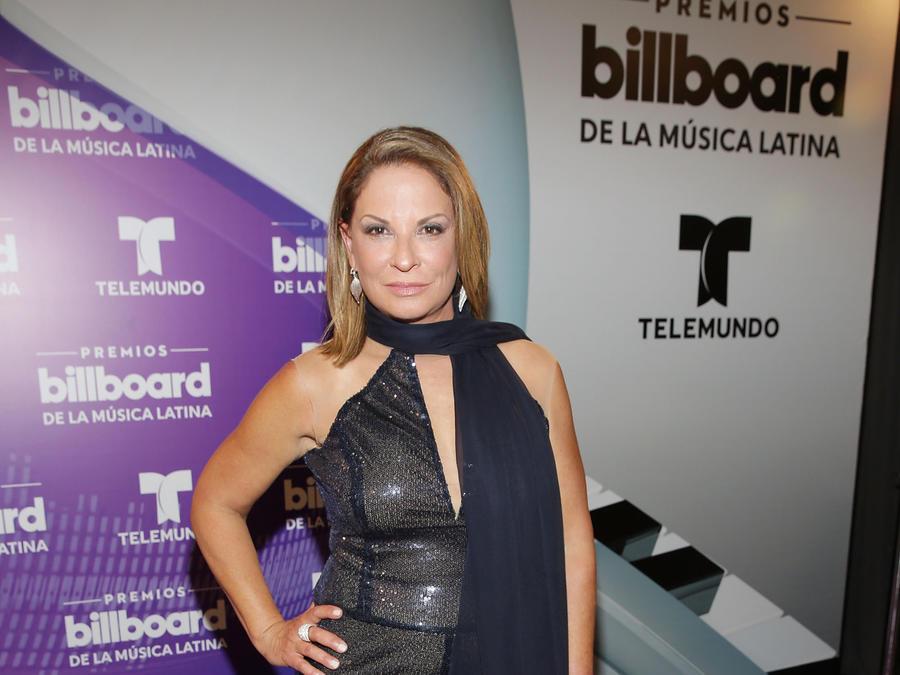 Dra Ana María Polo Premios Billboard 2016