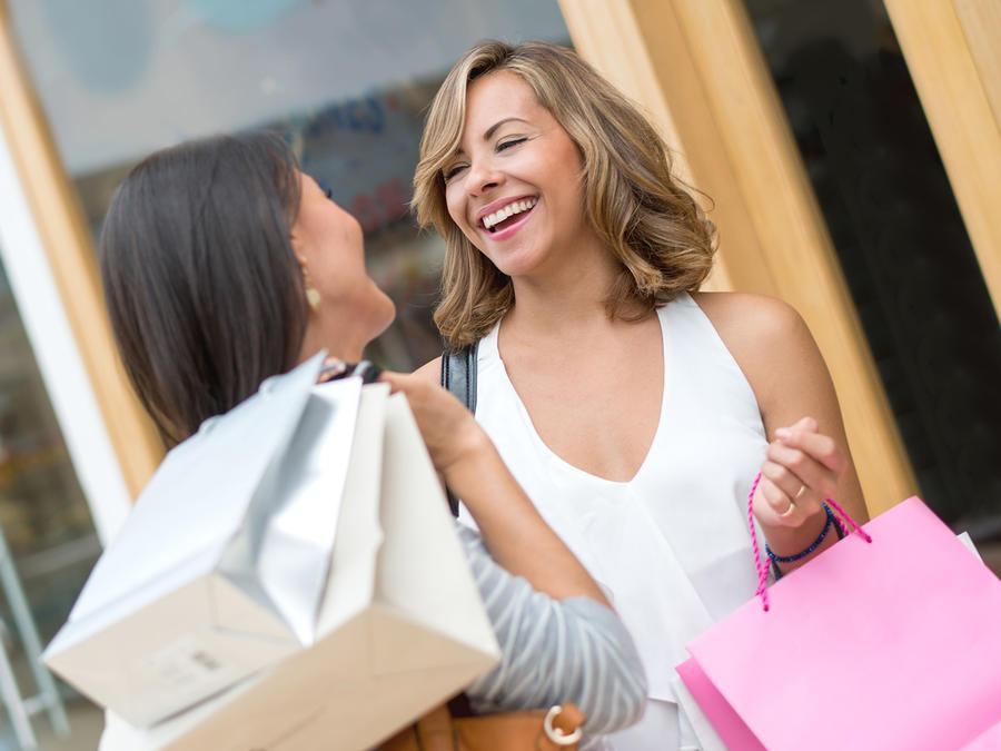 Bolso para compradoras compulsivas avisa límite de crédito