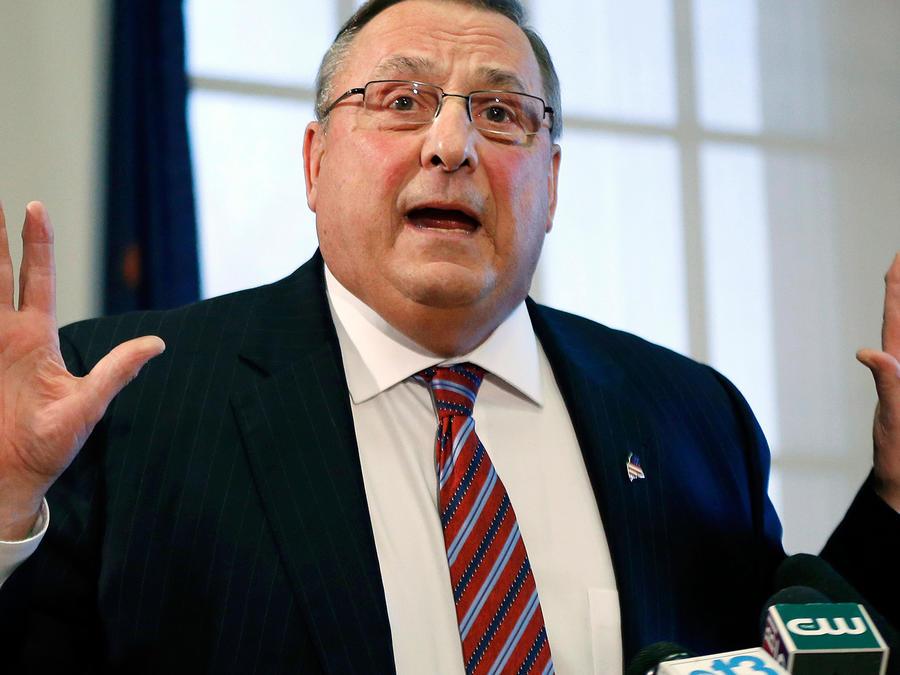 Foto de archivo, 8 de enero de 2016, del gobernador de Maine, Paul LePage, en conferencia de prensa en Agusta, Maine.