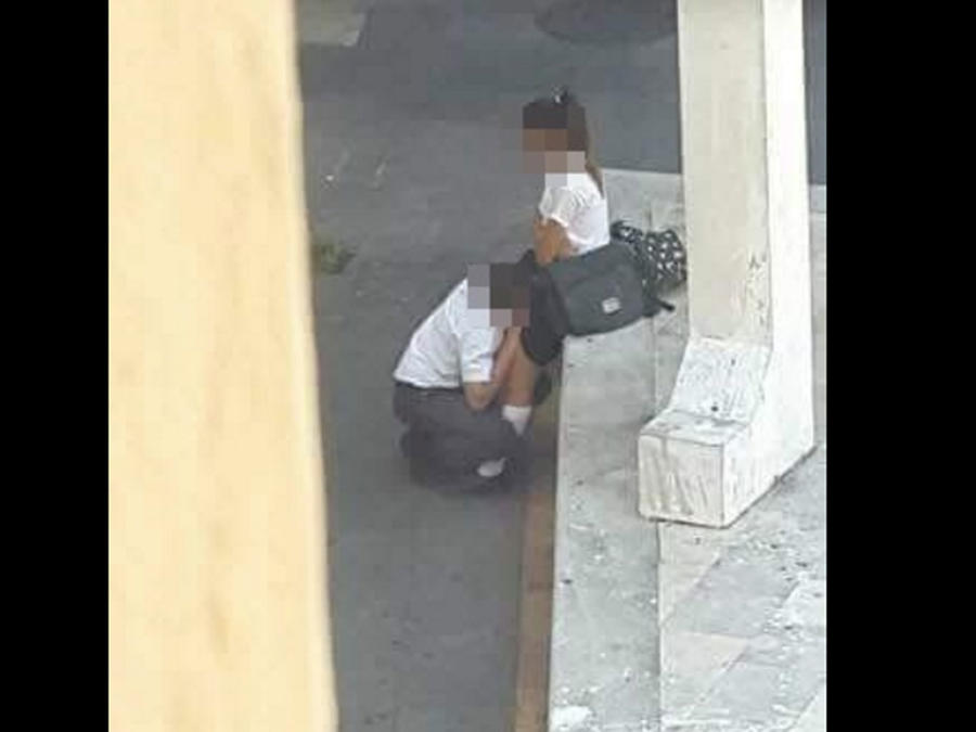 Dos estudiantes practican sexo oral en la calle en México (FOTO)