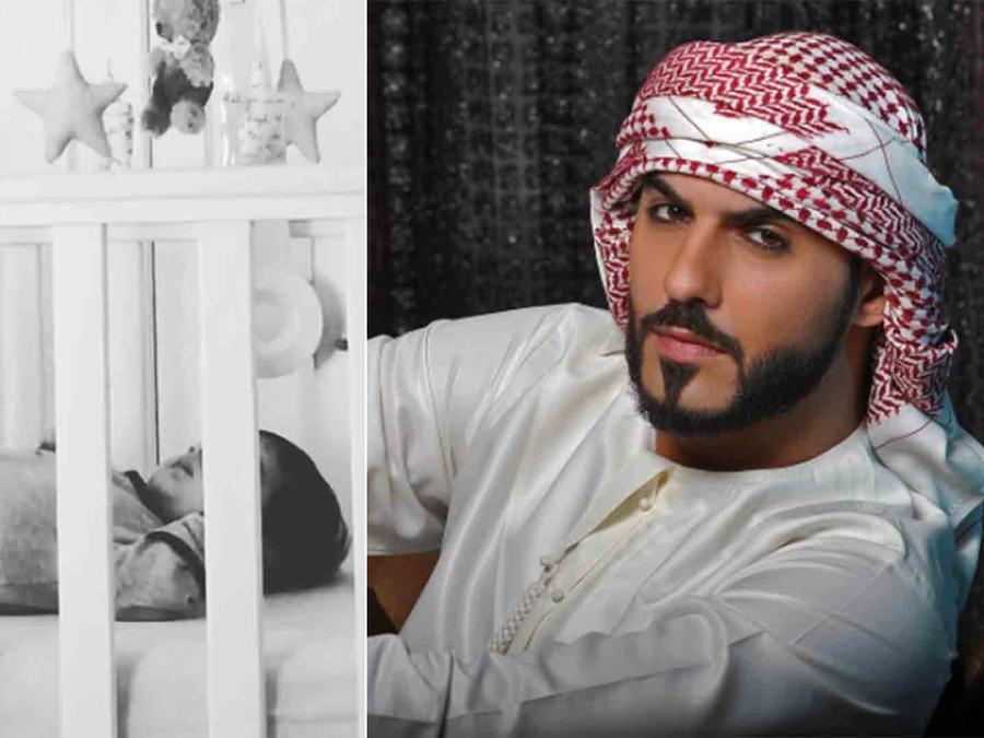 Omar Borkan y su bebé en la cuna