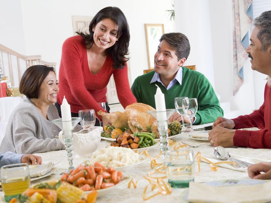 Cena navideña en familia