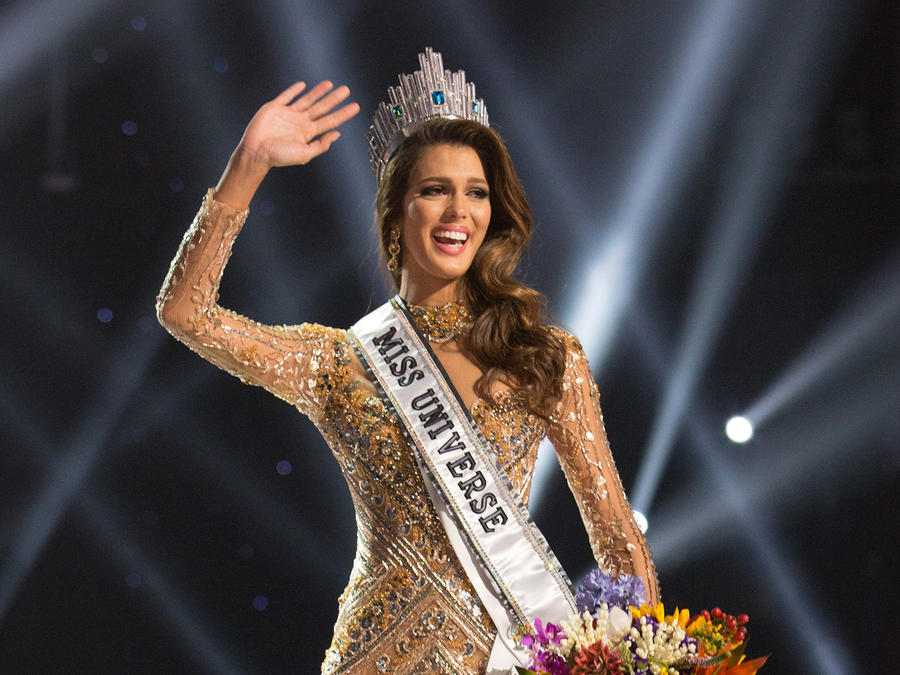 Iris Mittenaere, Miss France 2016 is crowned Miss Universe