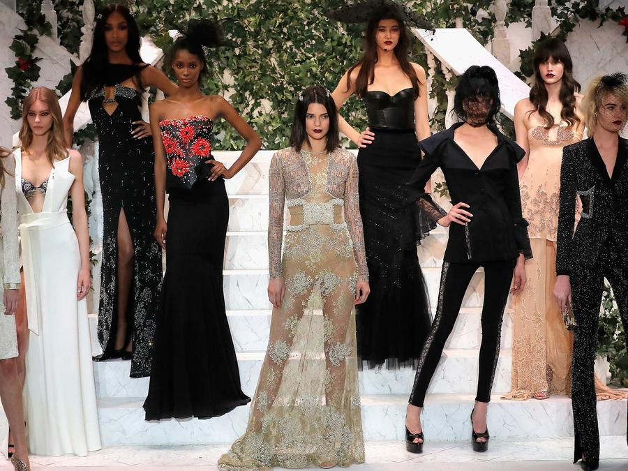 La Perla Fall/Winter 2017 RTW Show - Runway