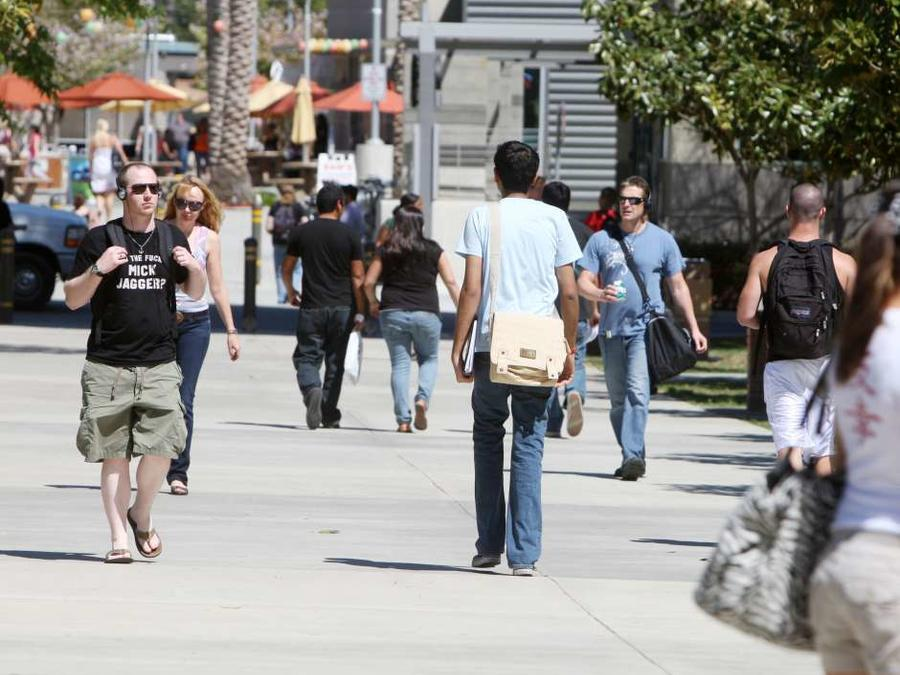 Estudiantes universitarios en California