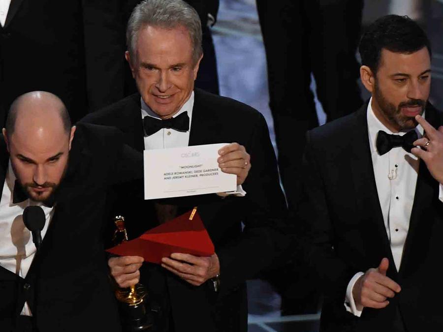 Warren Beatty y Jimmy Kimmel en los Oscars 2017