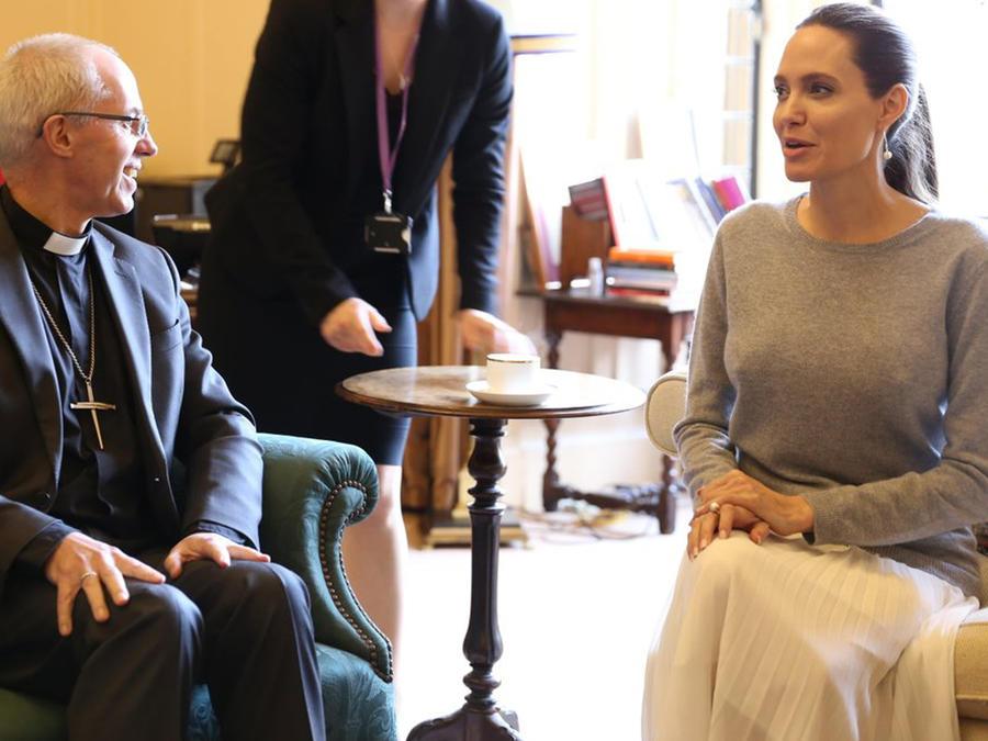 El arzobispo Justin Welby y Angelina Jolie charlan sobre violencia sexual