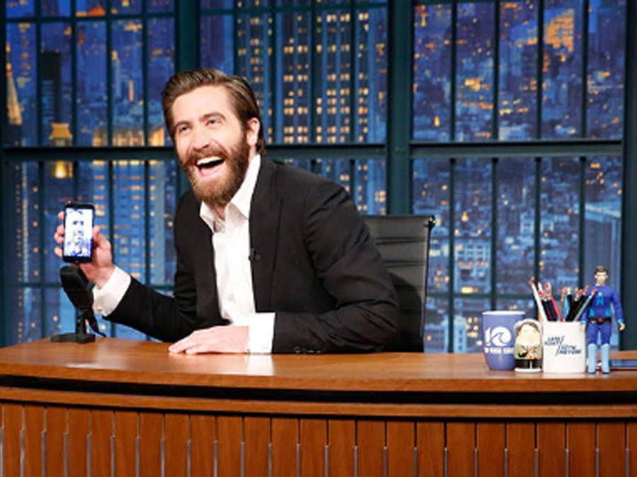 Jake Gyllenhaal haciendo FaceTime