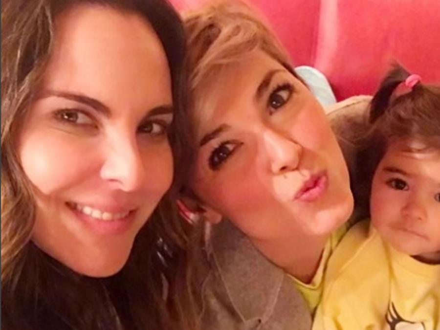 Kate del Castillo, Cristina Urgel y Carmen Navarro en selfie