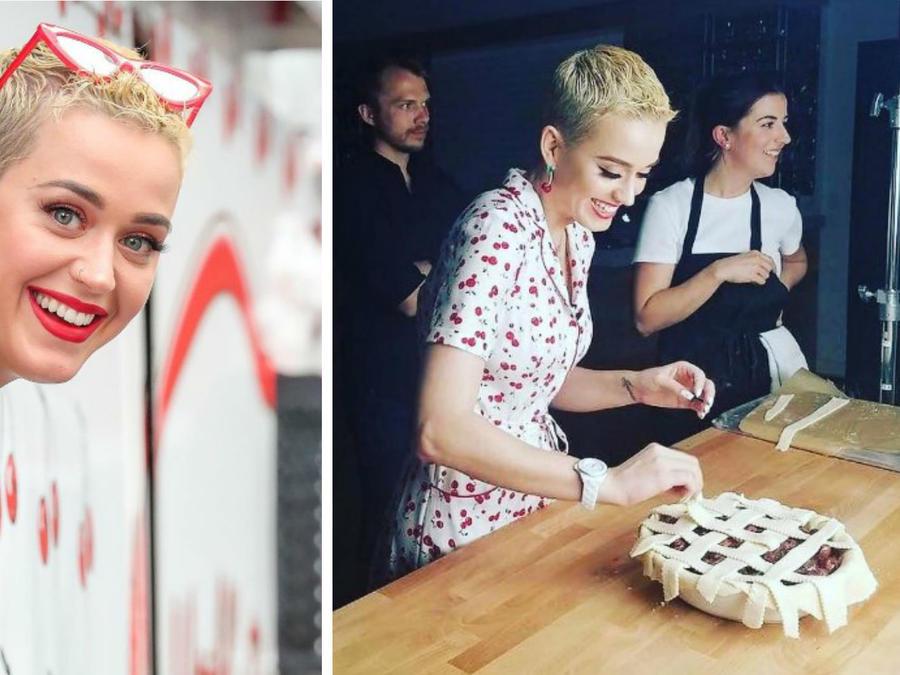 Katy Perry vendiendo pies de cereza en Nueva York