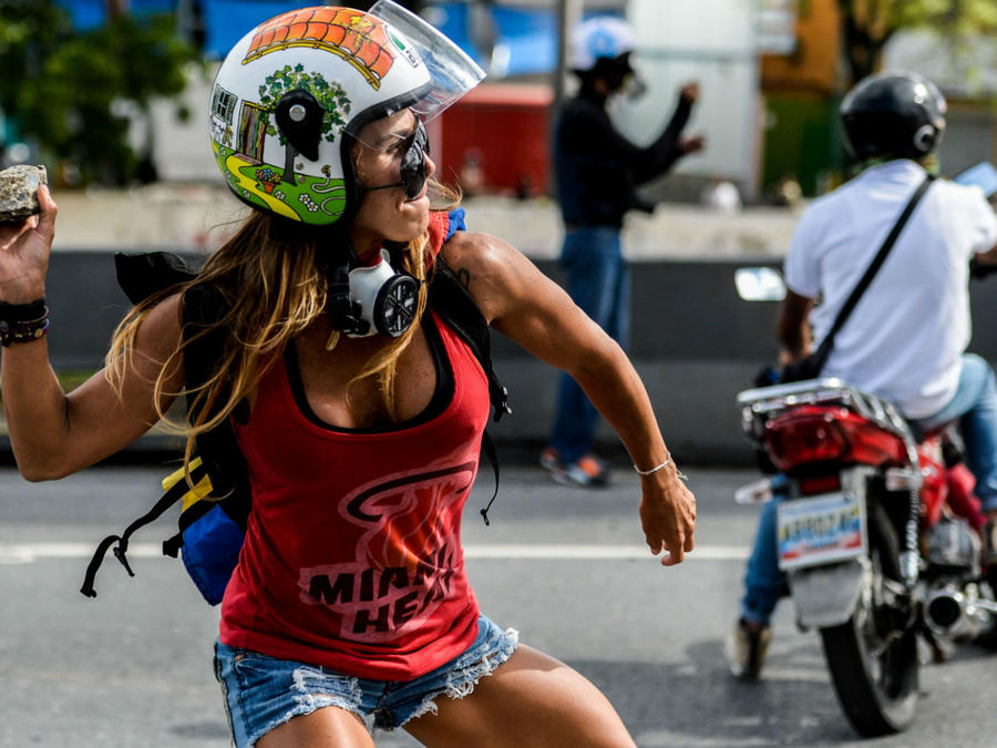 Caterina Ciarcelluti en protesta en Venezuela
