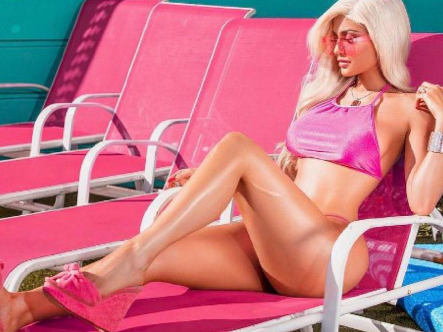 Kylie Jenner como barbie