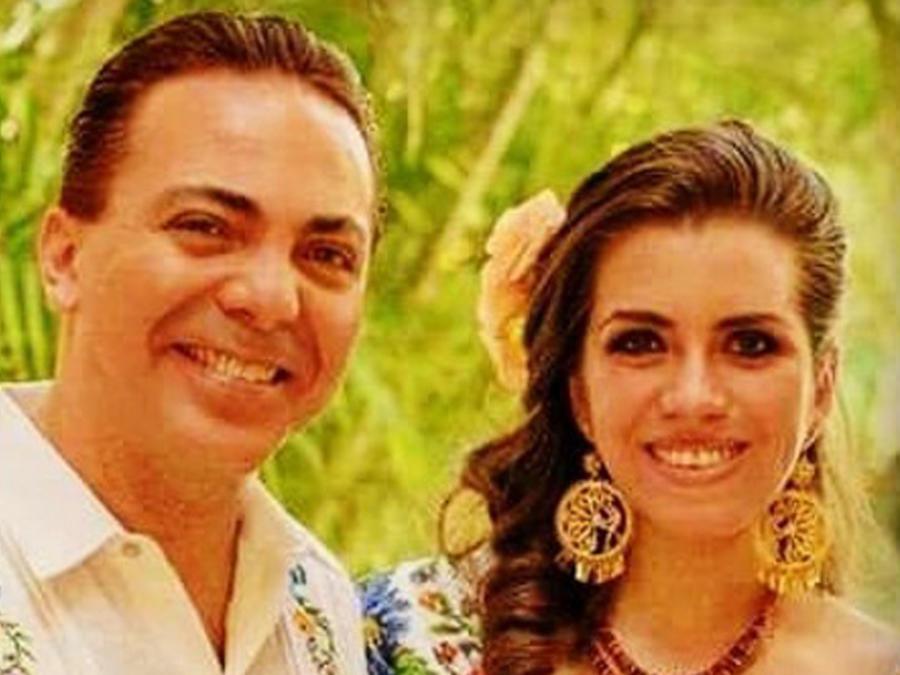 Cristian Castro y Carol Victoria Urbán en su boda