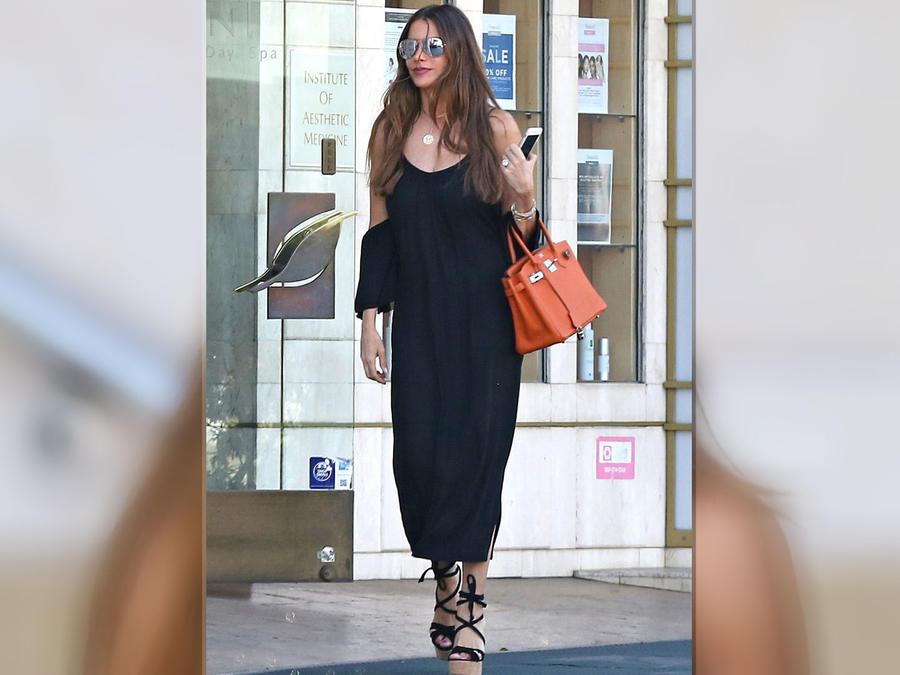 Sofía Vergara con look sofisticado