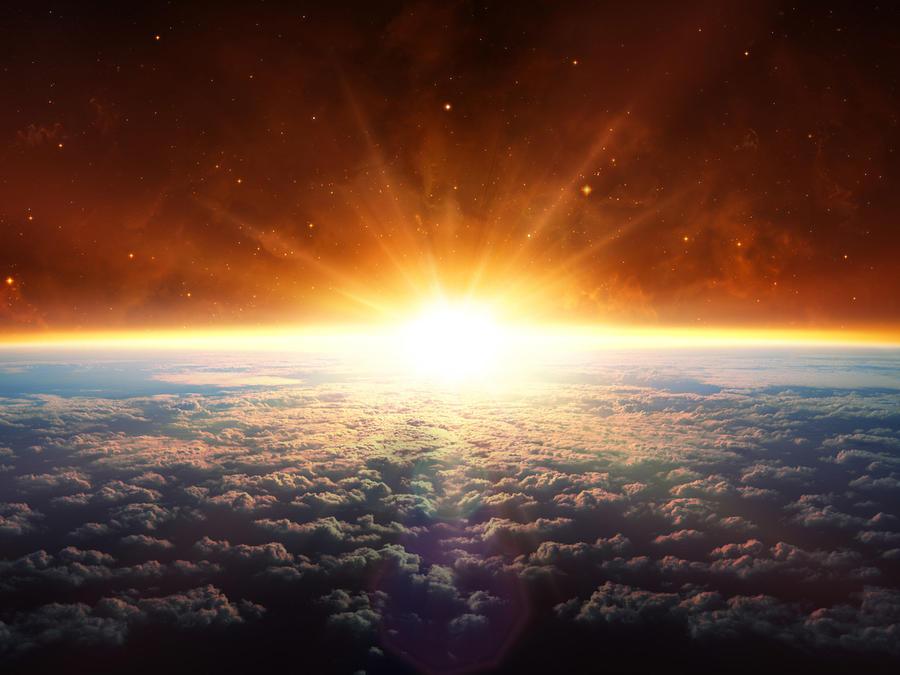 Sol se asoma en el horizonte