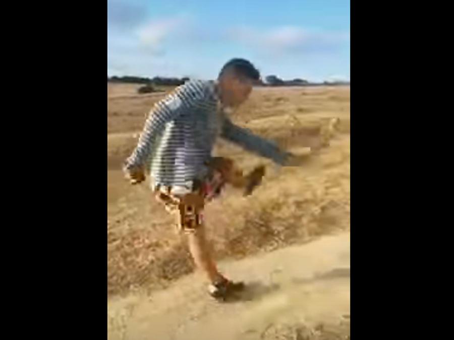 """Patea un conejo al grito de """"¡Cristiano Ronaldo!""""  y lo lanza a 20 metros  (VIDEO)"""