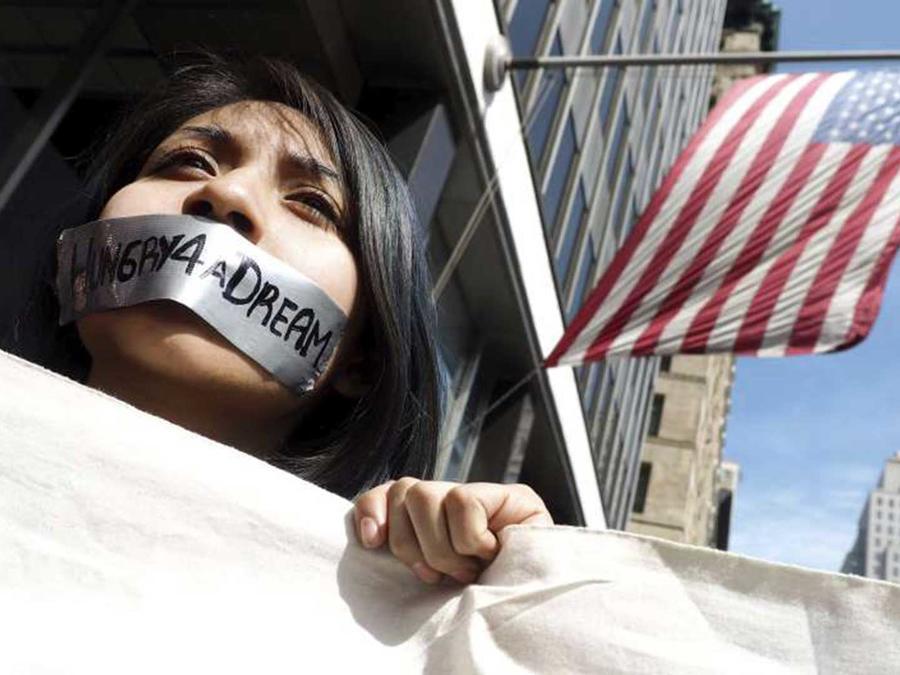 Dreamer protesta contra medidas antiinmigrantes