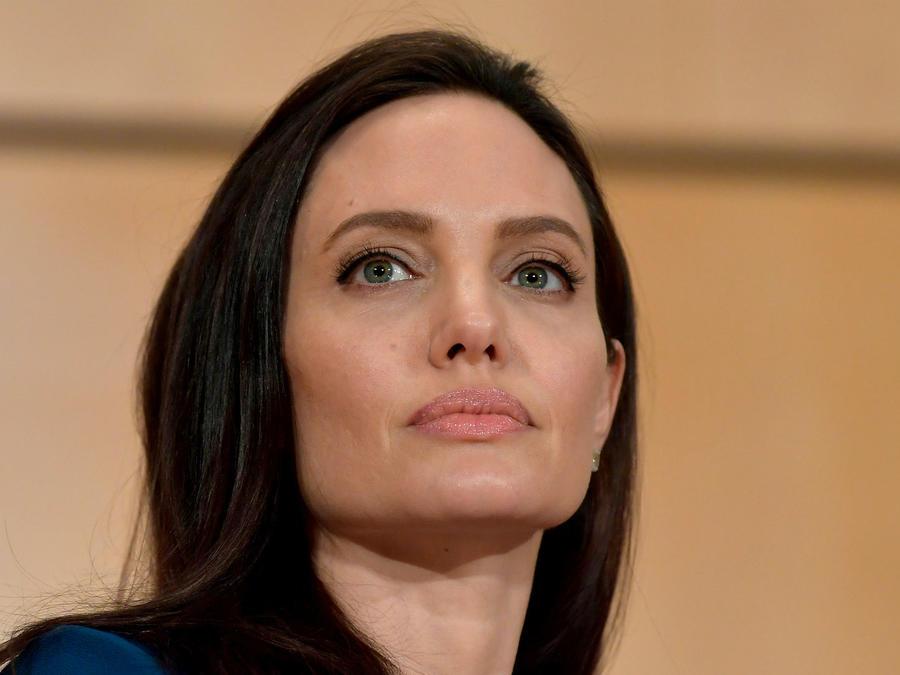 Angelina Jolie en el Envoy