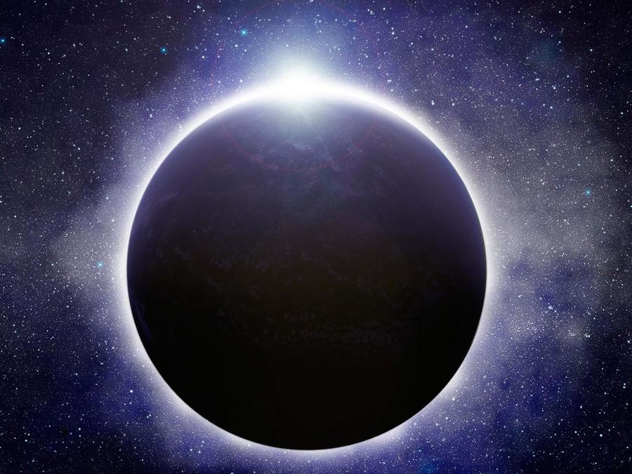 La luna eclipsa al sol