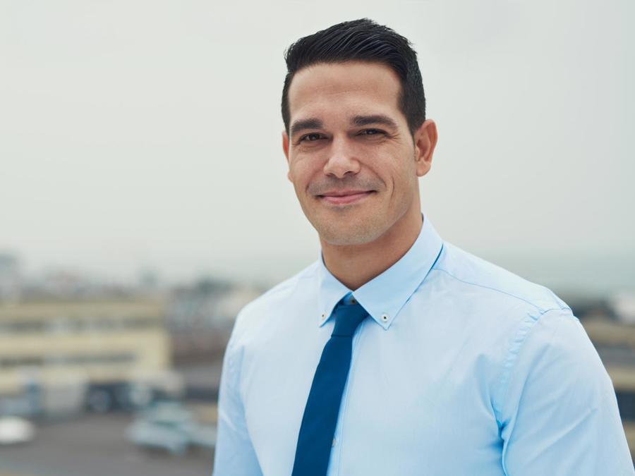 Hombre de negocios sonriendo