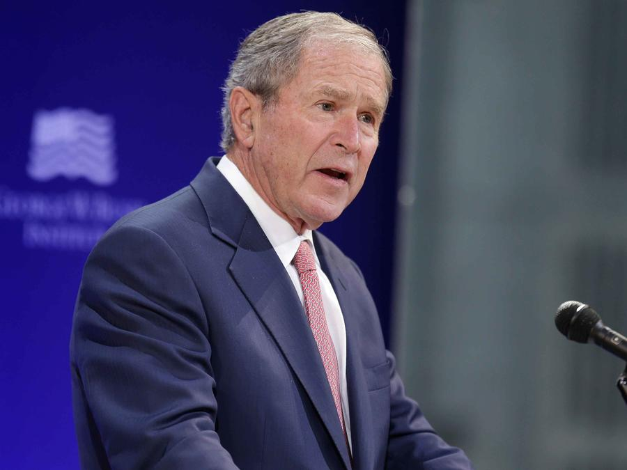 Ex presidente de EEUU George Bush da una conferencia
