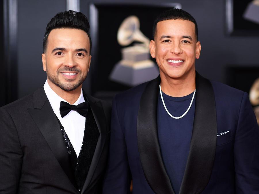 Luis Fonsi con Daddy Yankee en los Grammys 2018